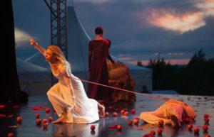En la época de Shakespeare, ¿Por qué las mujeres no podían actuar en Inglaterra?